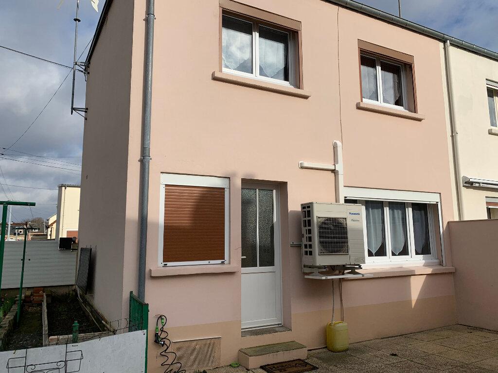 Maison à louer 5 70m2 à Tergnier vignette-3