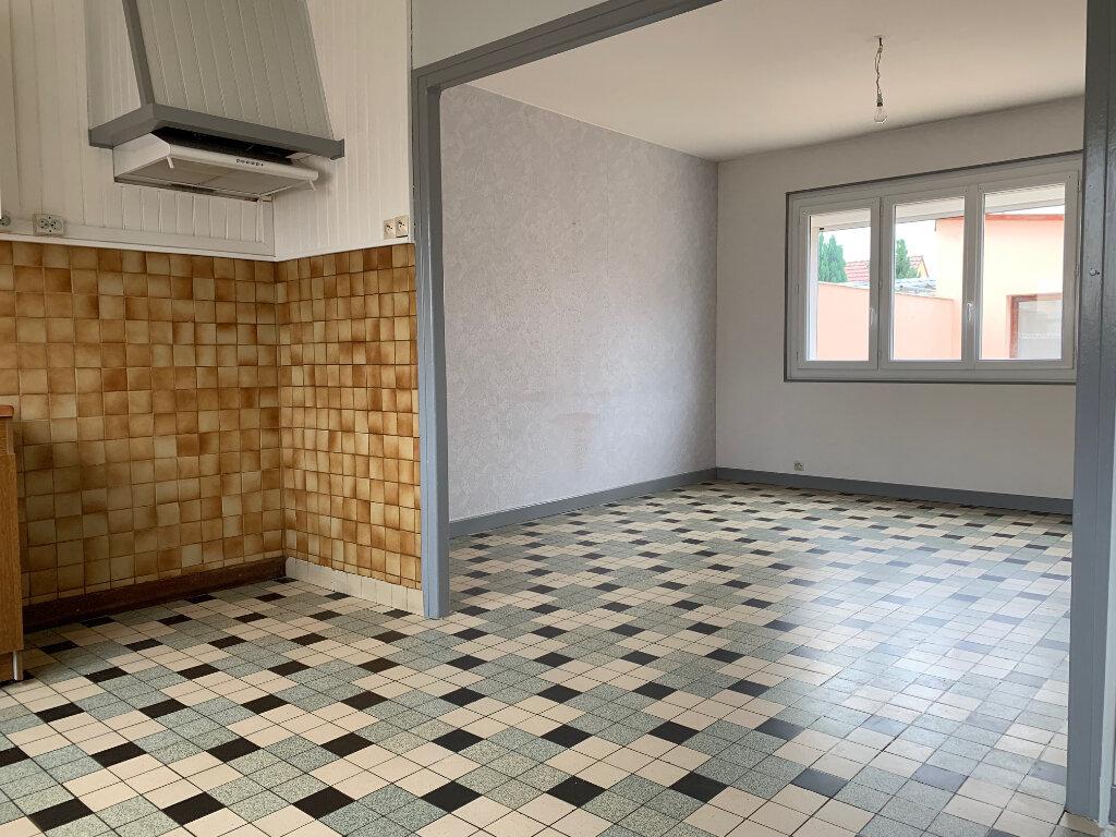 Maison à louer 5 70m2 à Tergnier vignette-5