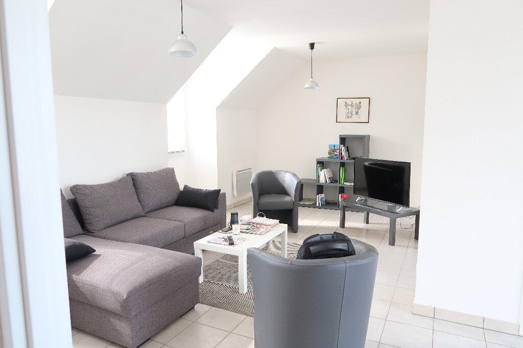 Appartement à louer 2 54.8m2 à Saint-Quentin vignette-1