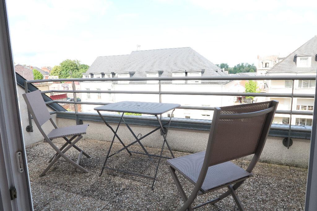 Appartement à louer 2 54.8m2 à Saint-Quentin vignette-2