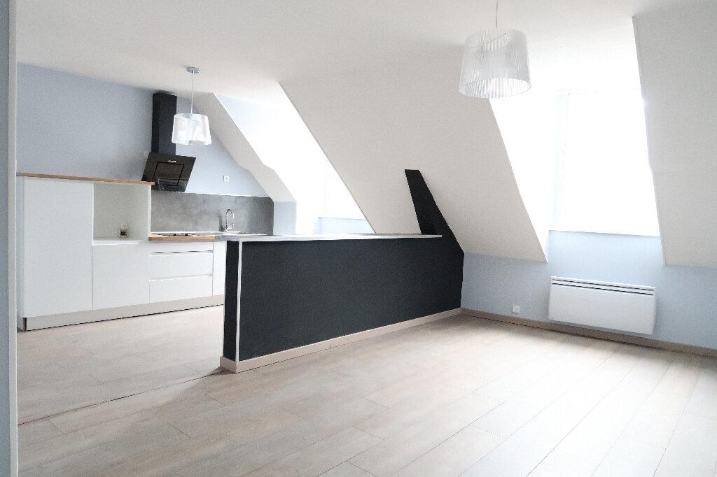 Appartement à louer 2 48m2 à Saint-Quentin vignette-1