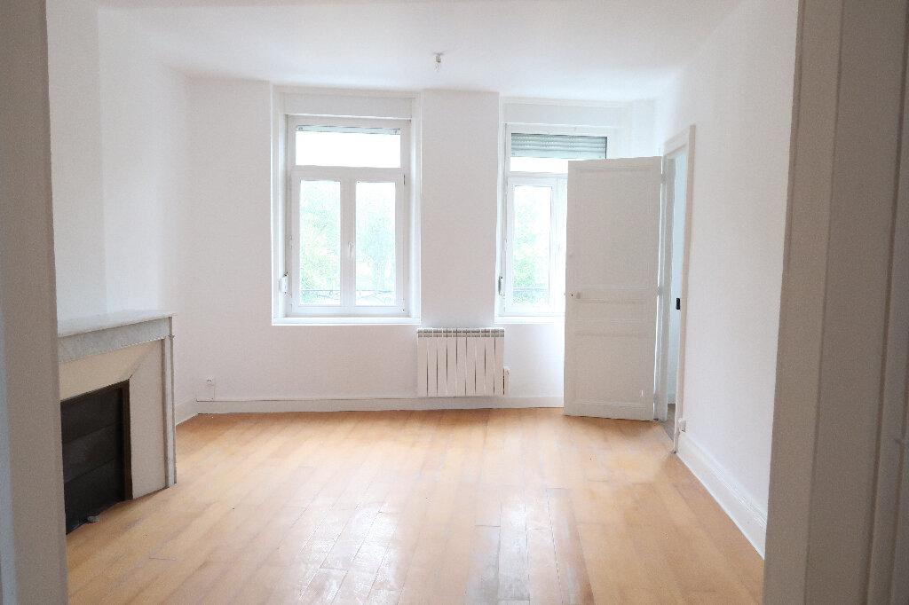 Appartement à louer 3 73m2 à Saint-Quentin vignette-3
