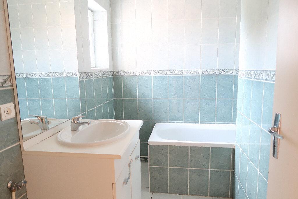 Appartement à louer 2 43.2m2 à Saint-Quentin vignette-2