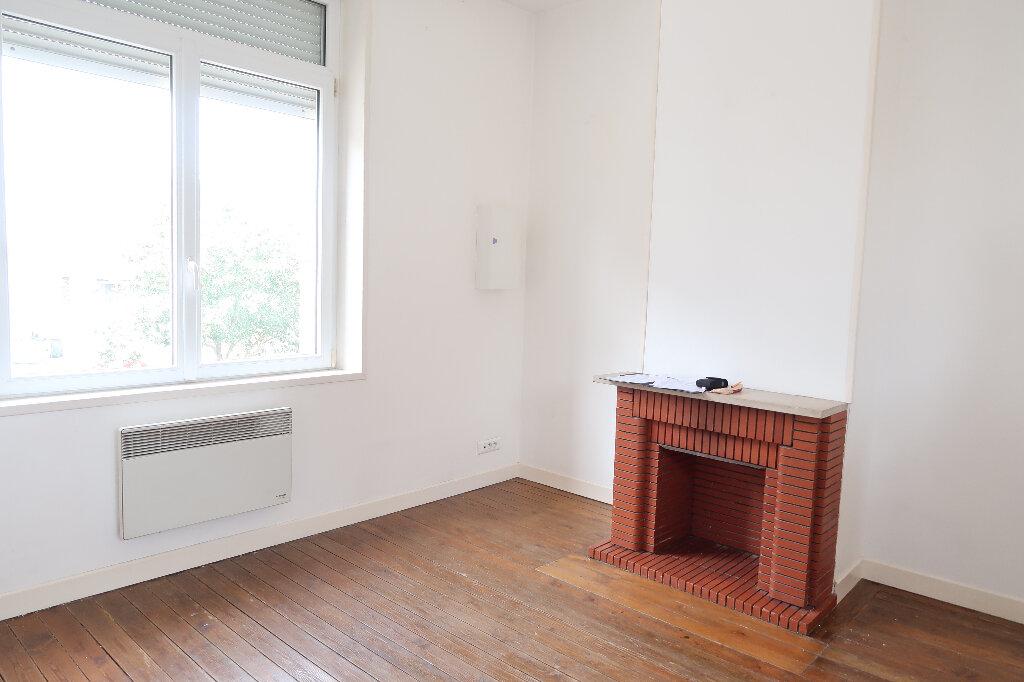 Appartement à louer 2 43.2m2 à Saint-Quentin vignette-3