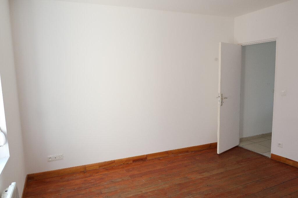 Appartement à louer 2 29.09m2 à Saint-Quentin vignette-2