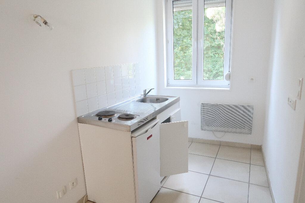 Appartement à louer 2 29.09m2 à Saint-Quentin vignette-4