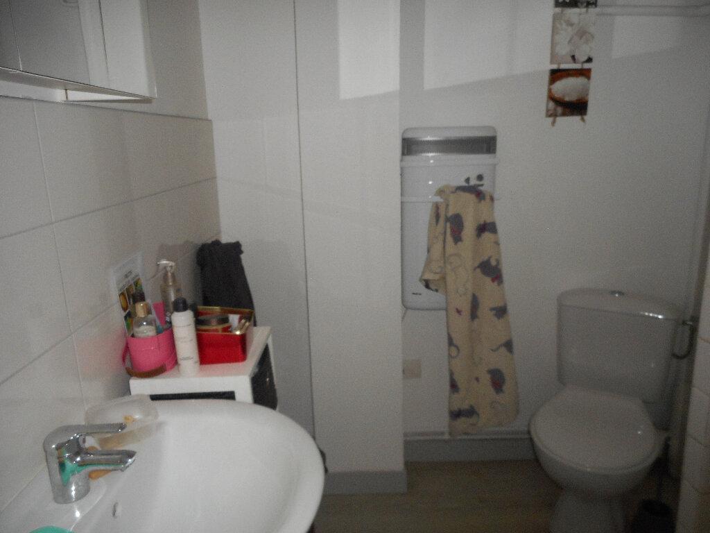 Appartement à louer 1 30m2 à Amiens vignette-6