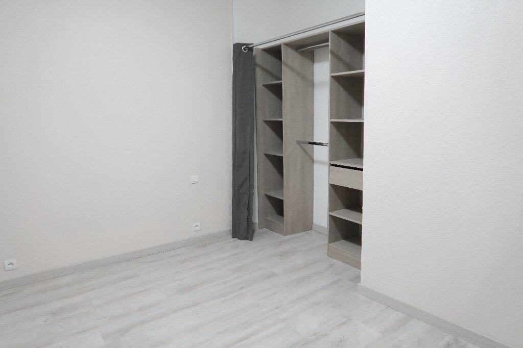 Appartement à louer 2 38m2 à Saint-Quentin vignette-5