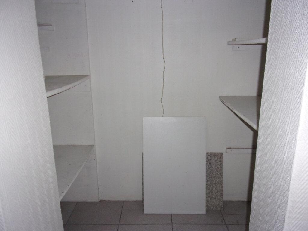 Appartement à louer 2 40m2 à Saint-Quentin vignette-5