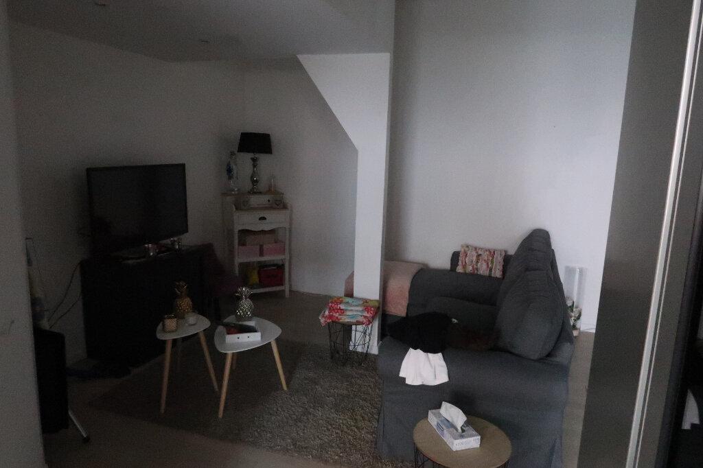 Appartement à vendre 3 55m2 à Saint-Quentin vignette-3