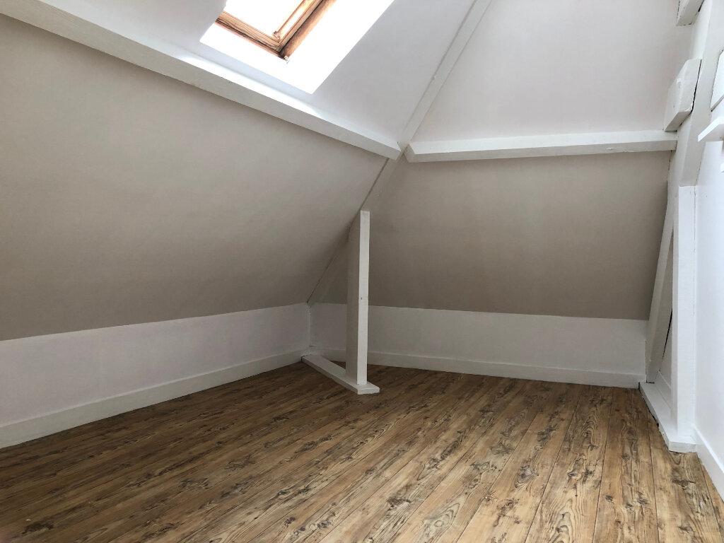 Appartement à louer 4 61m2 à Laon vignette-5