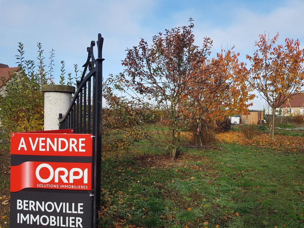 Terrain à vendre 0 606m2 à Nouvion-et-Catillon vignette-1