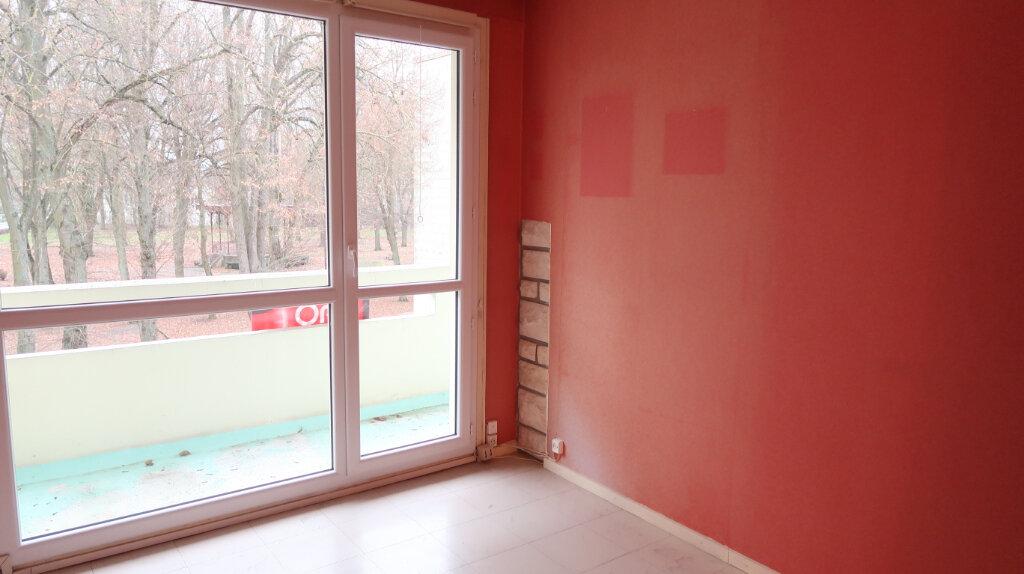 Appartement à louer 3 60m2 à La Fère vignette-2