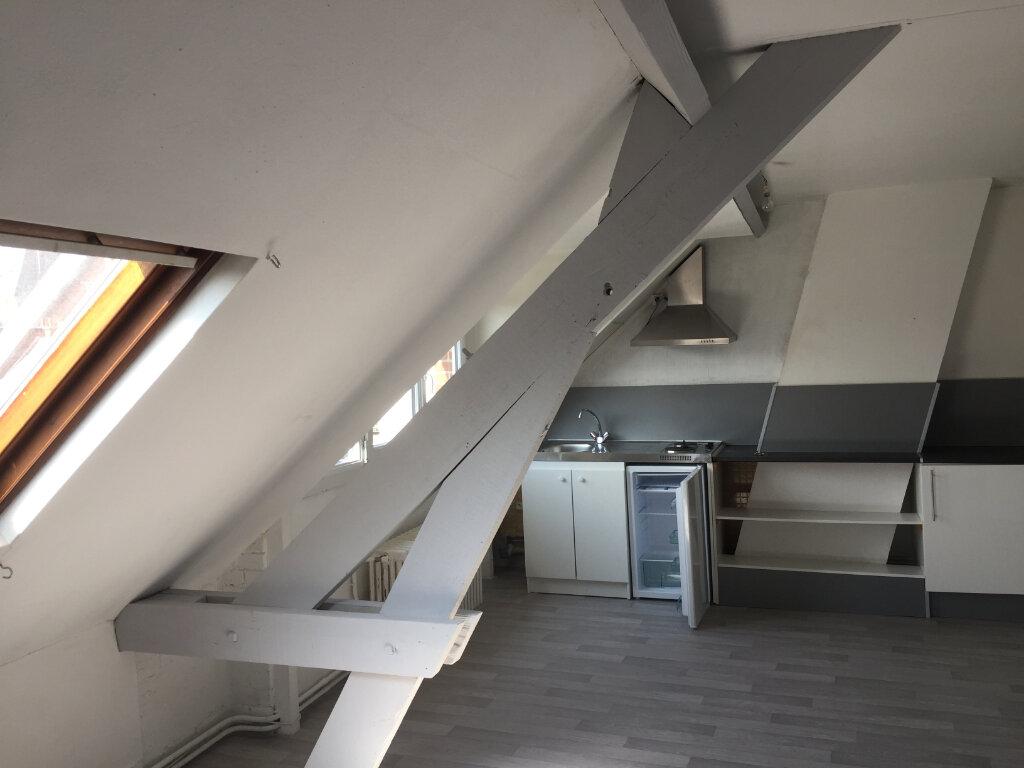 Appartement à louer 2 32m2 à Amiens vignette-2