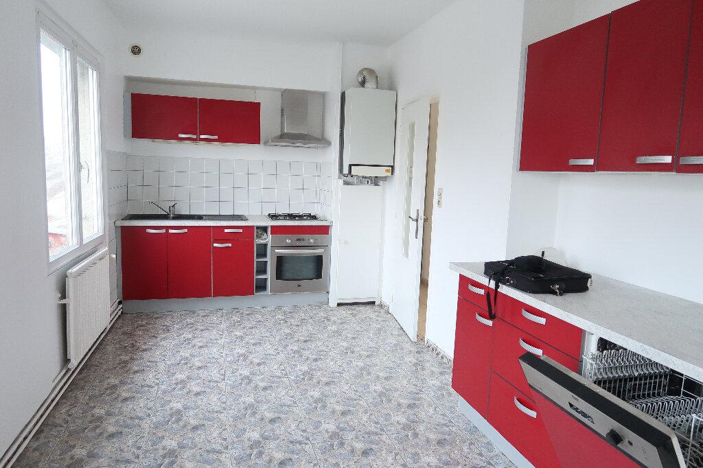 Appartement à louer 3 73m2 à Saint-Quentin vignette-1