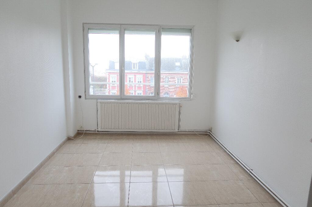 Appartement à louer 3 73m2 à Saint-Quentin vignette-4