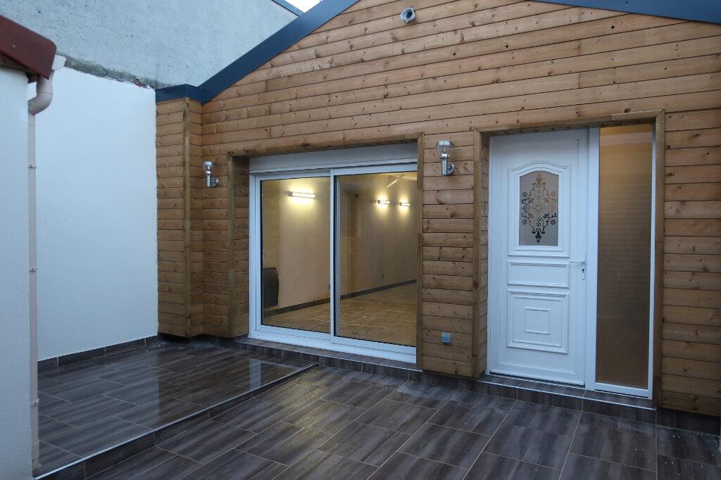 Maison à vendre 5 123m2 à Saint-Quentin vignette-5