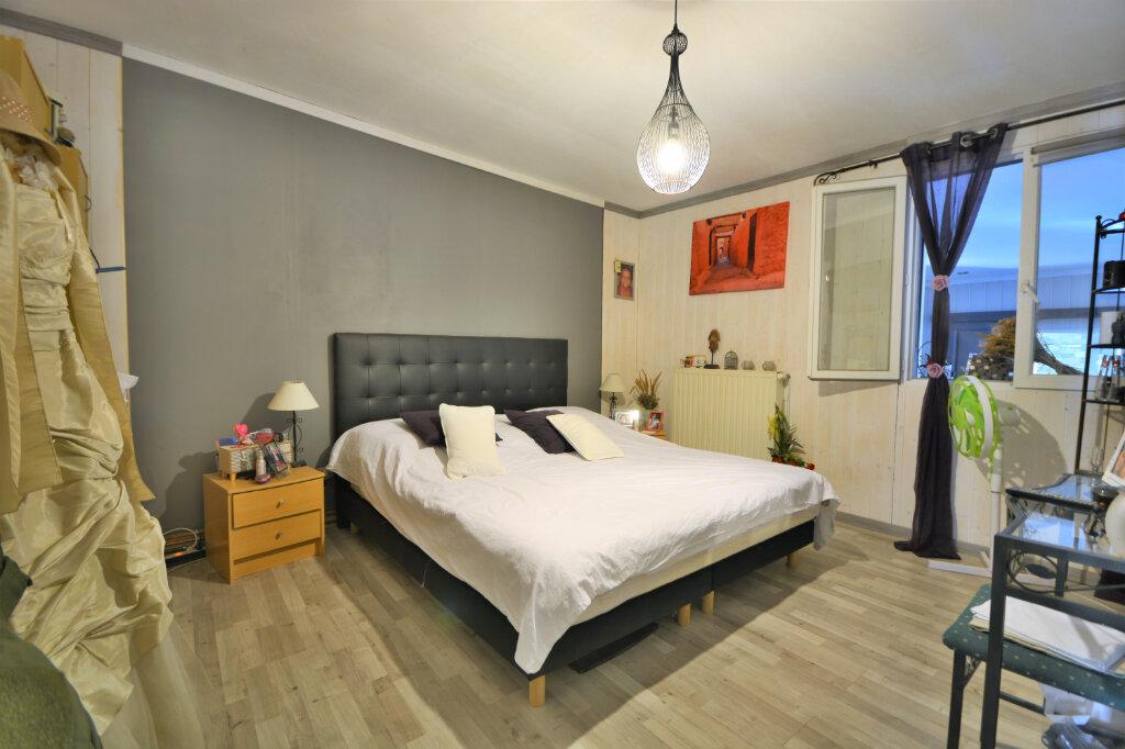 Maison à vendre 16 188.97m2 à Flixecourt vignette-3