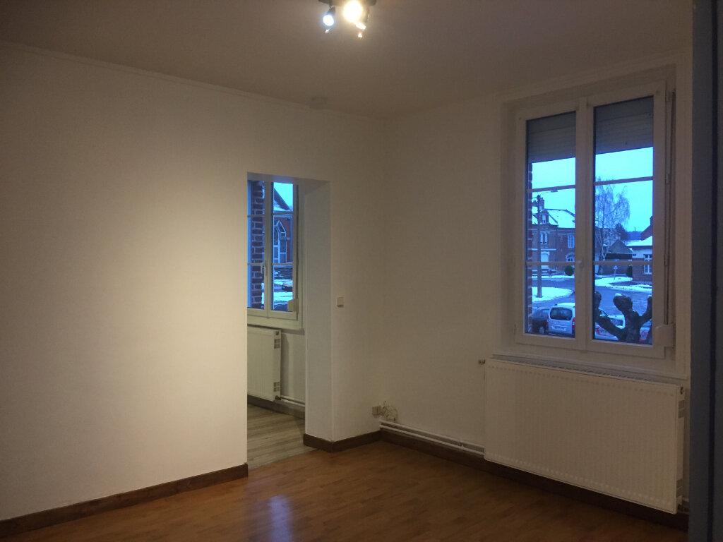 Appartement à louer 3 65m2 à Moreuil vignette-1