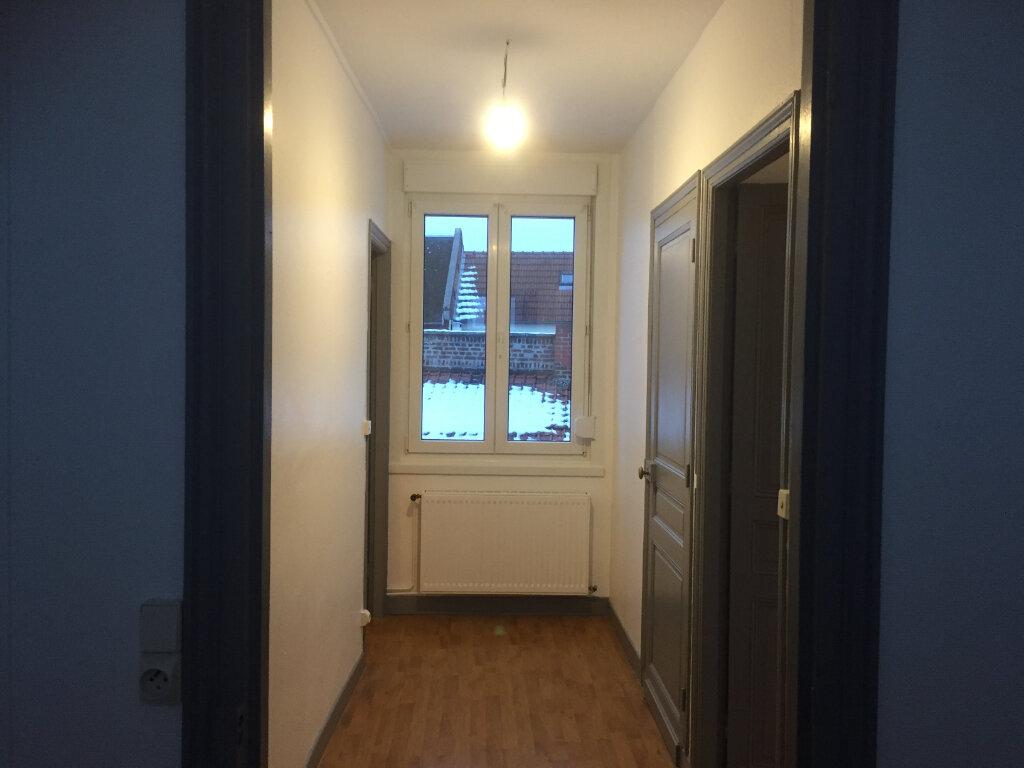 Appartement à louer 3 65m2 à Moreuil vignette-2