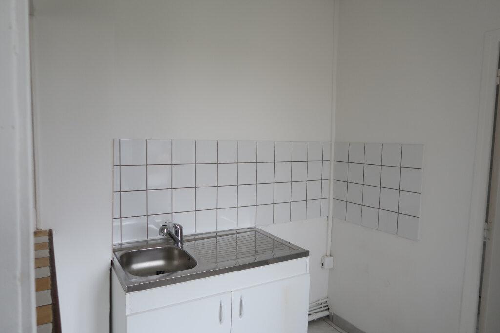 Appartement à louer 3 60m2 à Saint-Quentin vignette-3