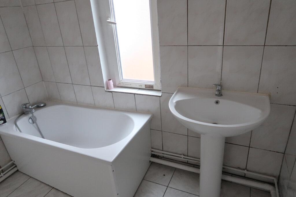 Appartement à louer 3 60m2 à Saint-Quentin vignette-6