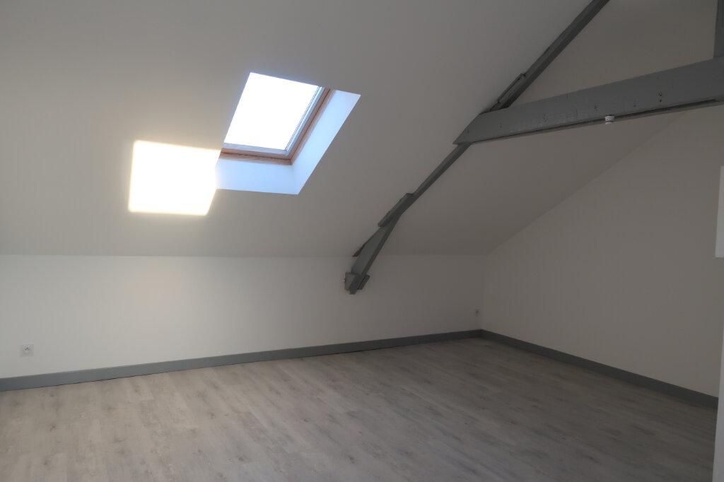 Appartement à louer 1 22m2 à Saint-Quentin vignette-1