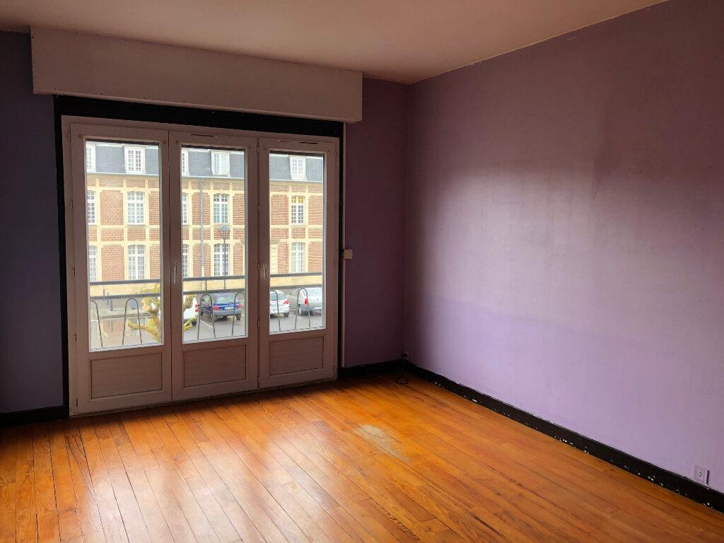 Appartement à louer 3 80m2 à La Fère vignette-1