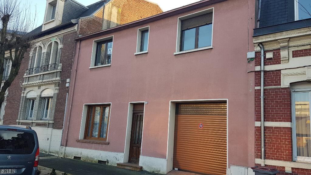 Maison à vendre 6 135m2 à Saint-Quentin vignette-1