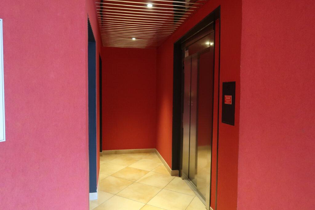 Appartement à louer 4 117.6m2 à Chauny vignette-11