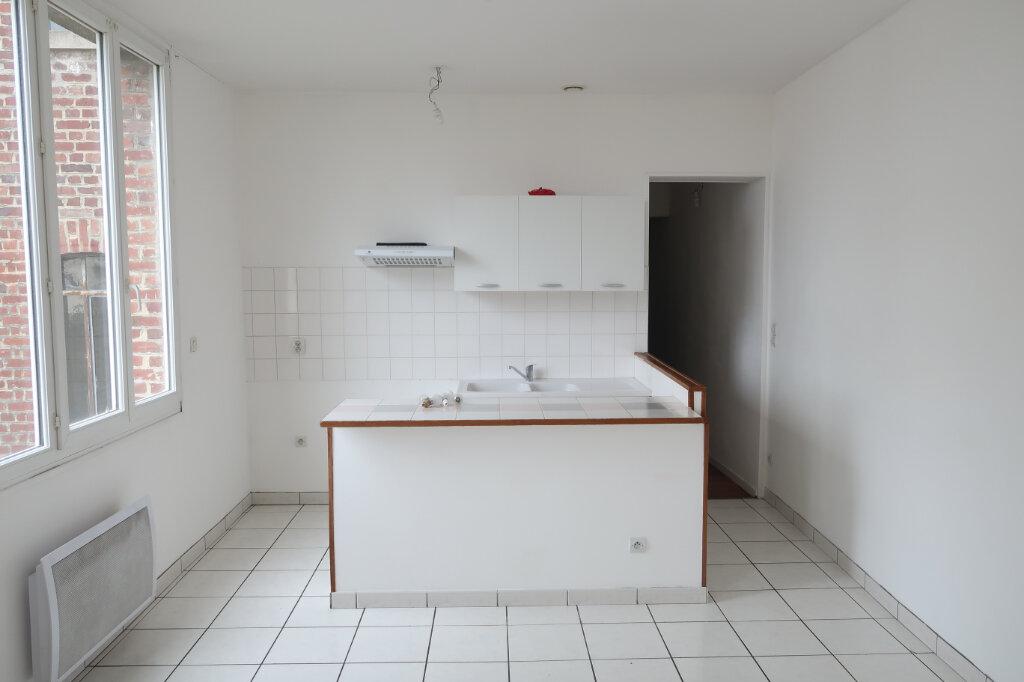 Appartement à louer 3 51.7m2 à Saint-Quentin vignette-1
