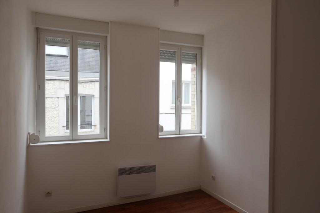 Appartement à louer 3 51.7m2 à Saint-Quentin vignette-3