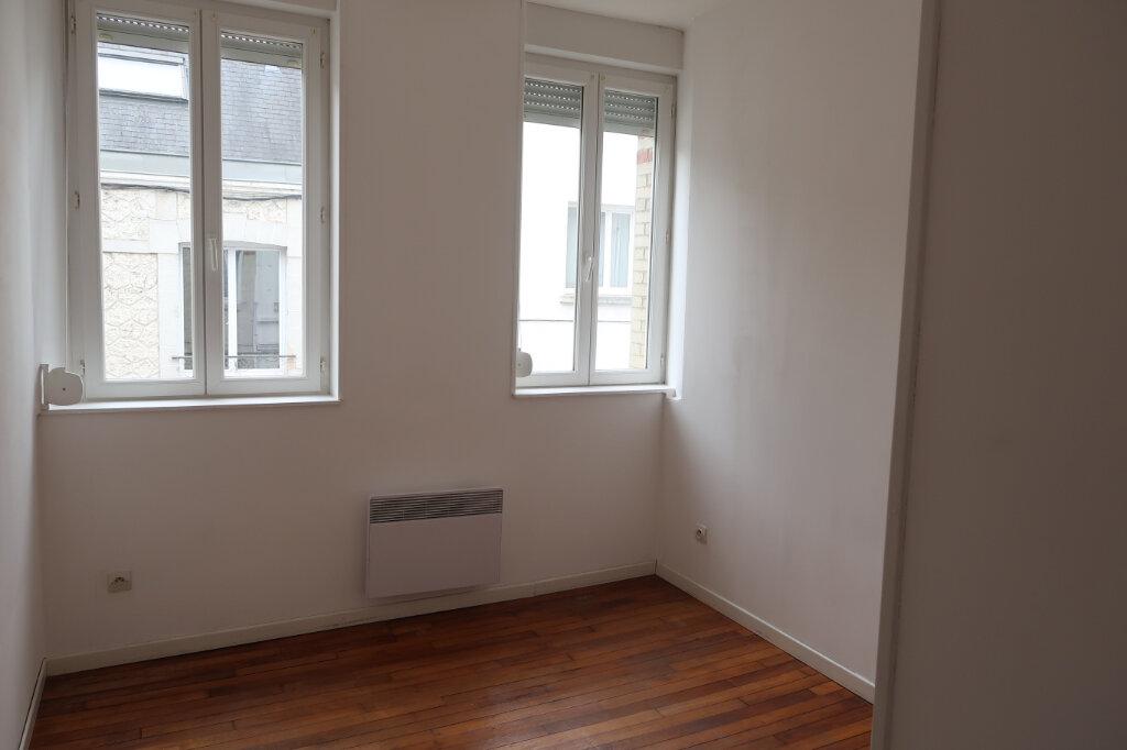 Appartement à louer 3 51.7m2 à Saint-Quentin vignette-4