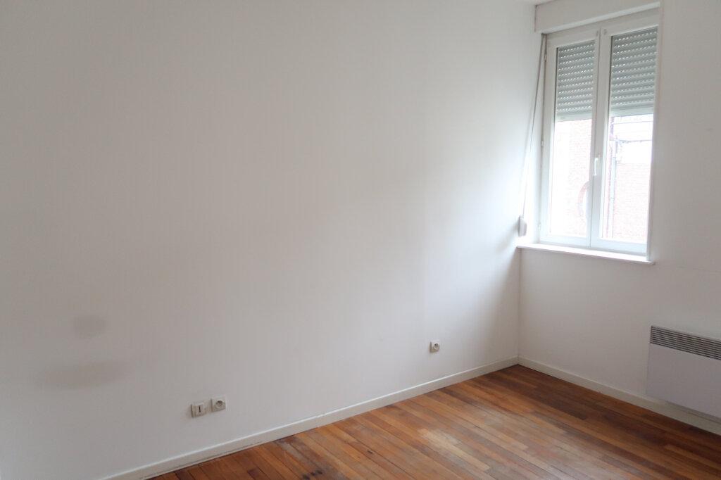 Appartement à louer 3 51.7m2 à Saint-Quentin vignette-5