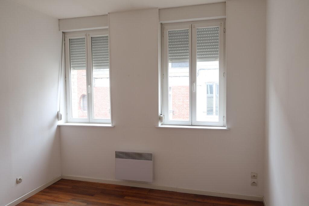 Appartement à louer 3 51.7m2 à Saint-Quentin vignette-6