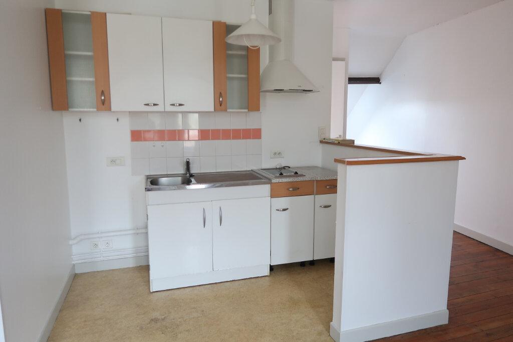 Appartement à louer 2 45m2 à Saint-Quentin vignette-3