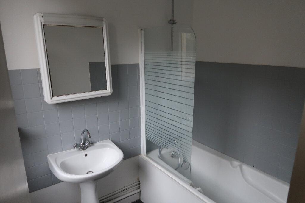 Appartement à louer 2 76m2 à Amiens vignette-5