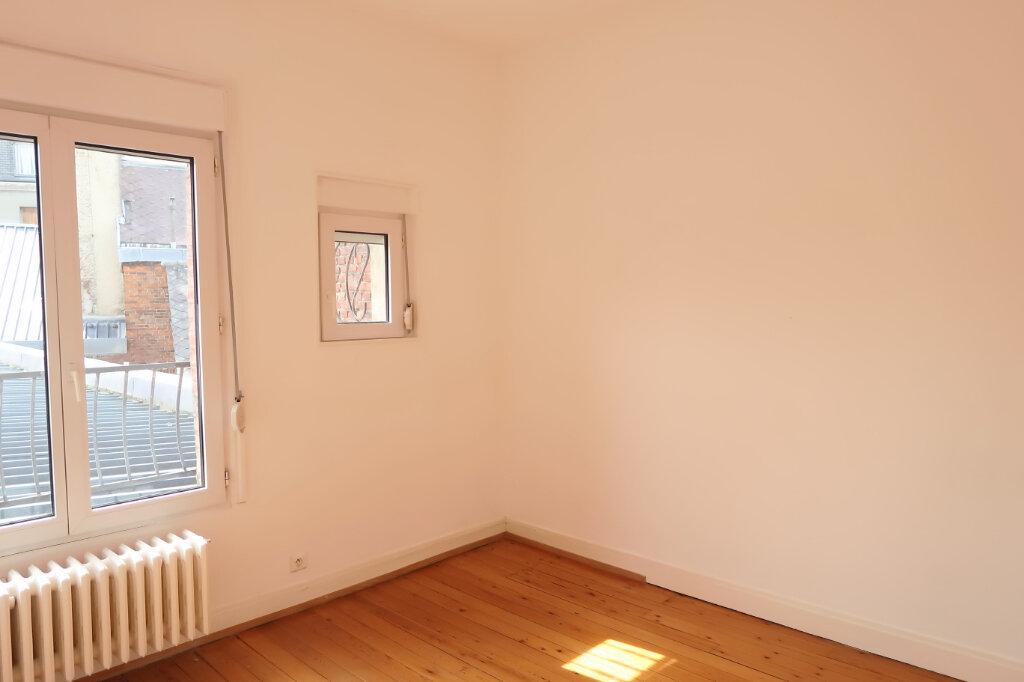Appartement à louer 9 158.93m2 à Chauny vignette-3