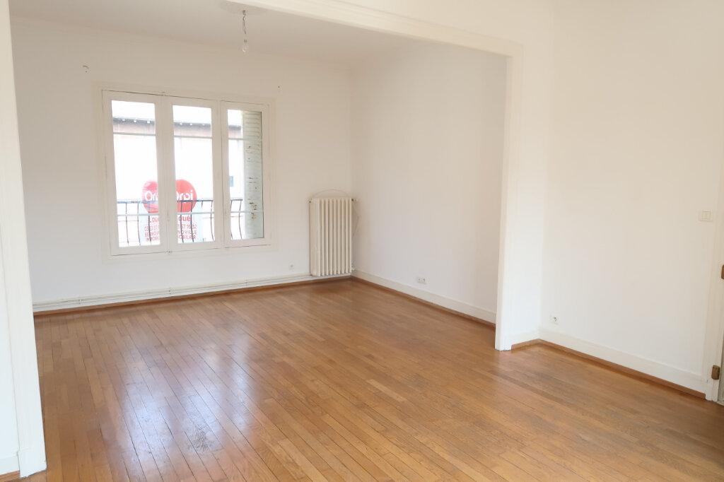 Appartement à louer 9 158.93m2 à Chauny vignette-9