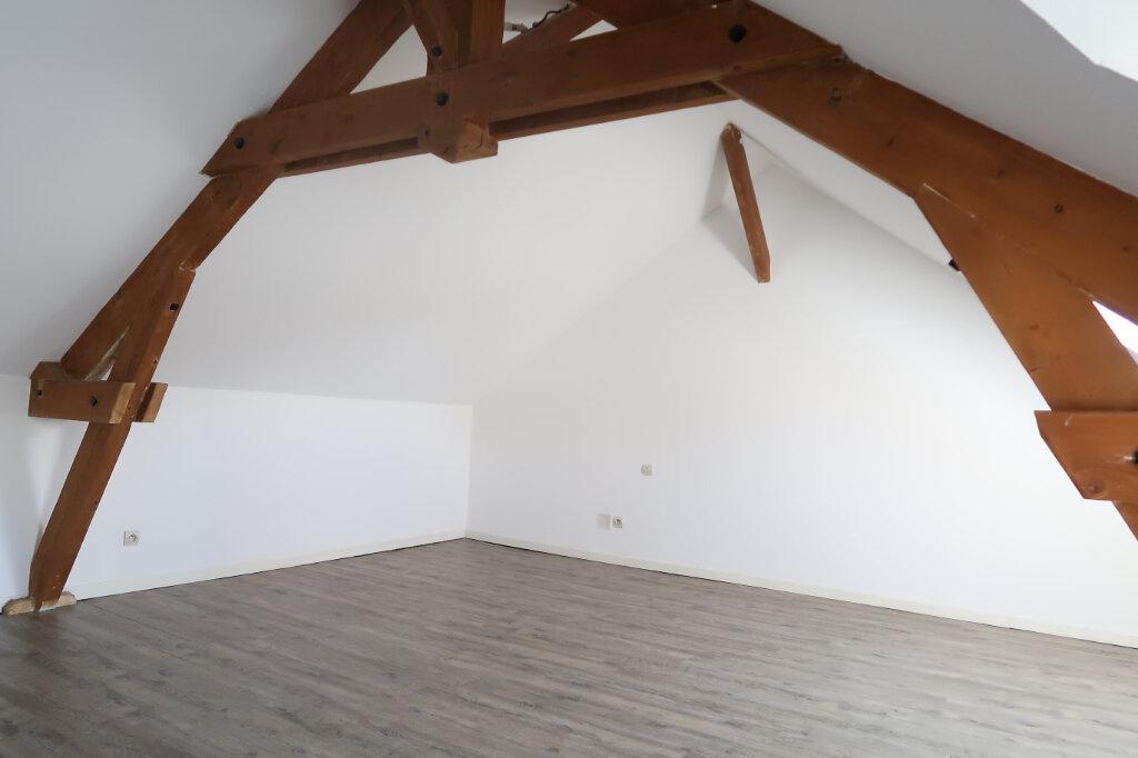Appartement à louer 9 158.93m2 à Chauny vignette-12