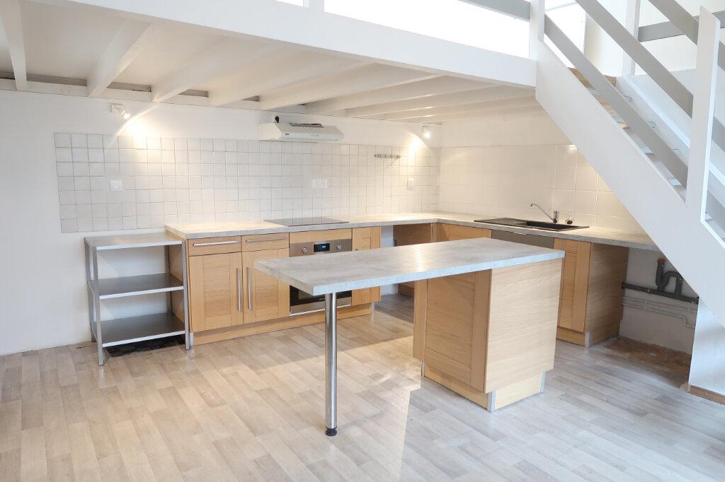 Appartement à louer 3 75m2 à Saint-Quentin vignette-2