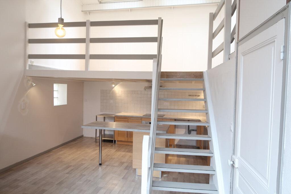 Appartement à louer 3 75m2 à Saint-Quentin vignette-3