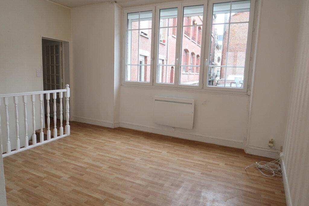 Appartement à louer 3 75m2 à Saint-Quentin vignette-7