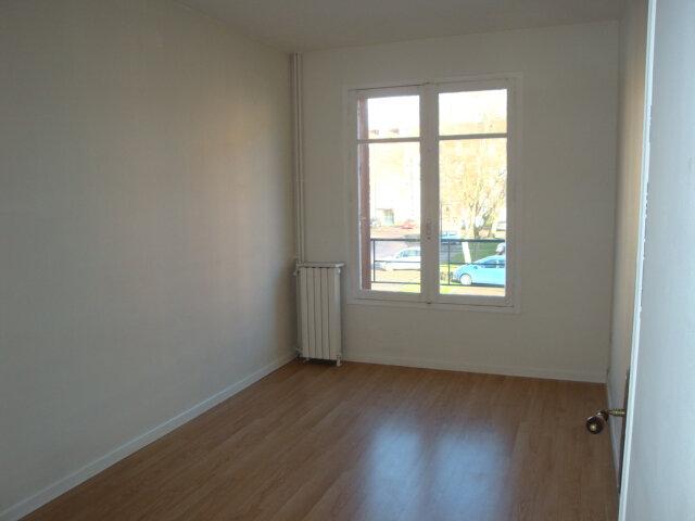 Appartement à louer 3 65m2 à Amiens vignette-4