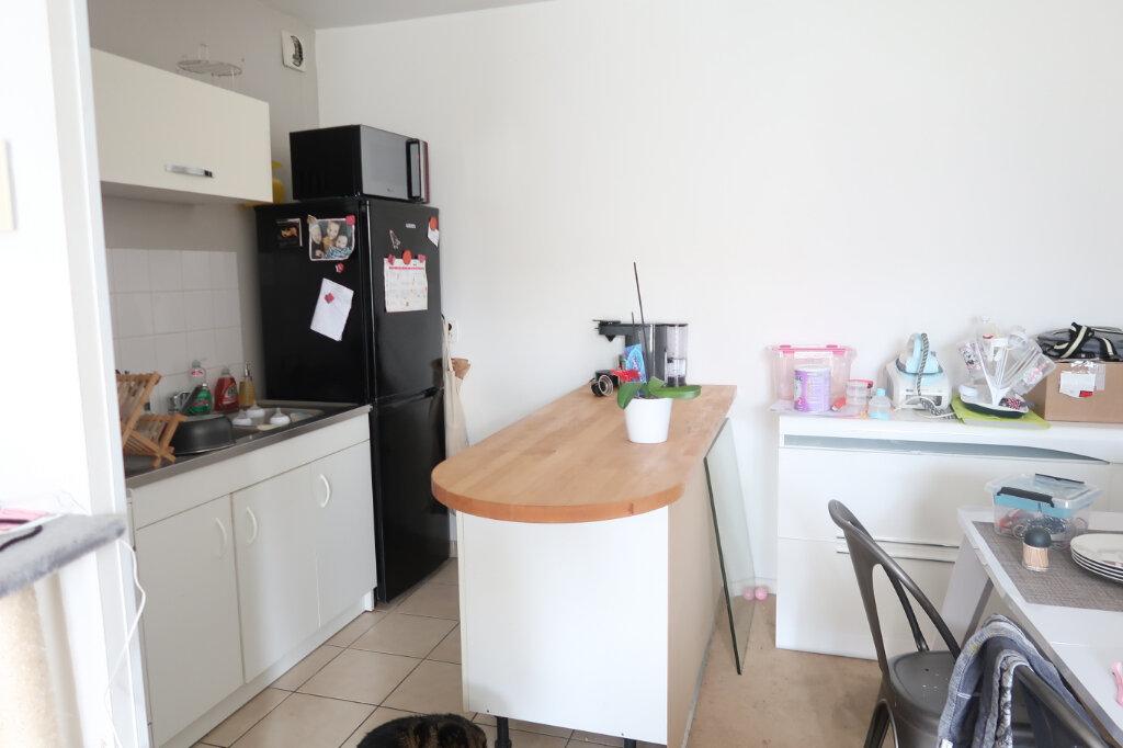Appartement à louer 2 51.5m2 à Saint-Quentin vignette-1