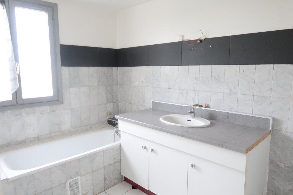 Appartement à louer 4 123m2 à Saint-Quentin vignette-3