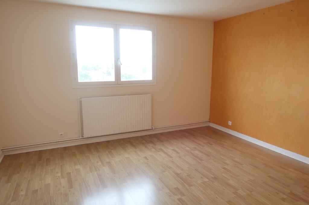 Appartement à louer 4 123m2 à Saint-Quentin vignette-8