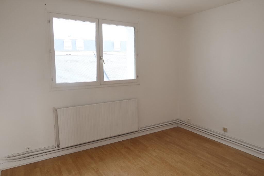 Appartement à louer 4 123m2 à Saint-Quentin vignette-9