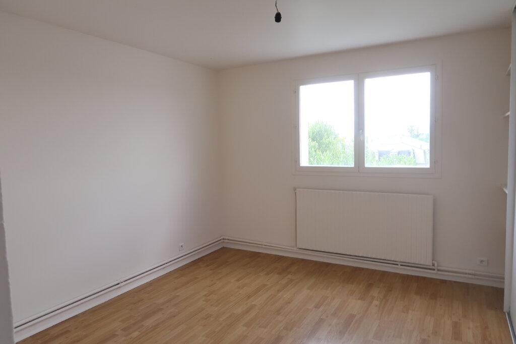 Appartement à louer 4 123m2 à Saint-Quentin vignette-10