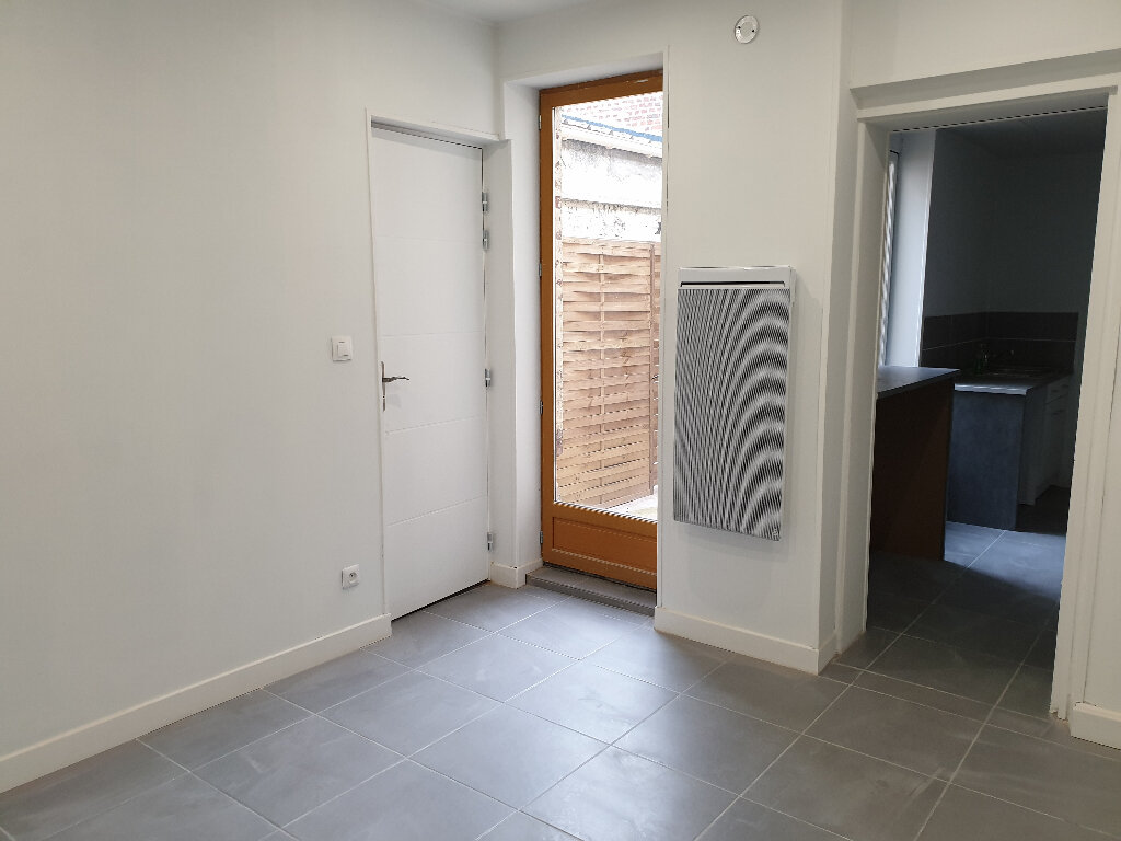 Appartement à louer 2 36.78m2 à Saint-Quentin vignette-3